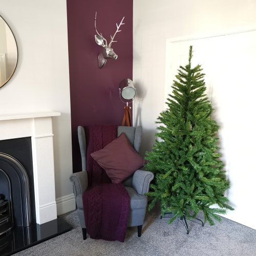 7ft New Duchess Spruce Hinged 980 Tips Green Christmas Tree