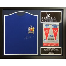 Framed Bobby Charlton signed 1968 European Cup shirt with COA & proof