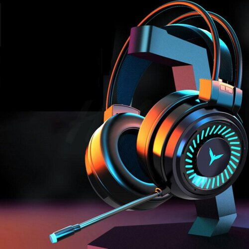 Gamer Headphones Surround Sound Stereo Wired Earphones/USB Microphone Colourful Light