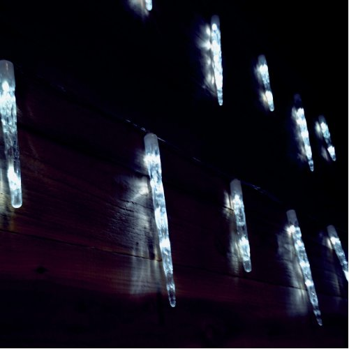 Premier 24 Icicle Lights With 72 Cool White LEDS - 6.9m