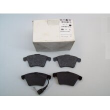 VW Transporter Brake Pads with Wear Indicator Front 7H0698151A