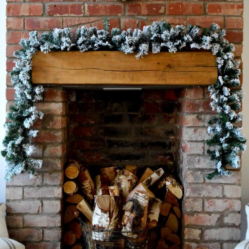 Premier 2.7m Snow Flocked Pine Christmas Garland with Glitter Finish