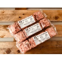 11.2 kg Premium Beef Mince in 560g packs (4 x 140g blocks). Frozen