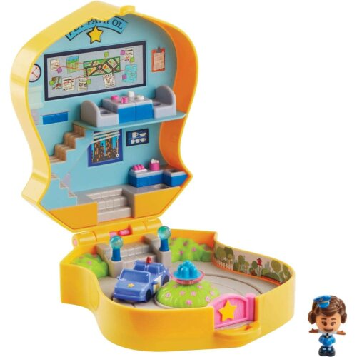 Disney GGX49 Toy Story 4 Pet Patrol Playset Mini Giggle McDimples, Compact for Home and On-The-Go Play