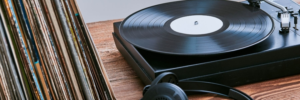 record player and headphones