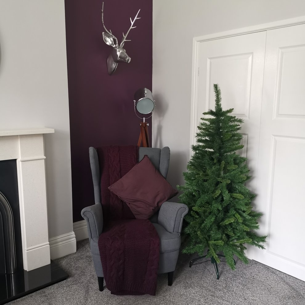 5ft New Duchess Spruce Hinged 446 Tips Green Christmas Tree On Onbuy