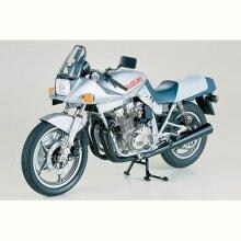 TAMIYA 16025 Suzuki GSX1100S Katana 1:6 Bike Model Kit