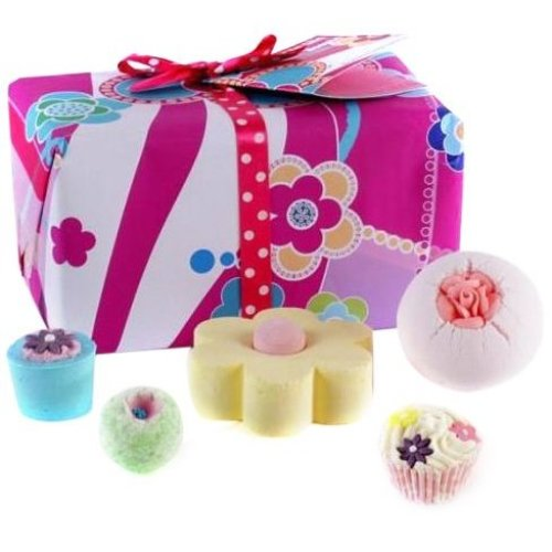 Bomb Cosmetics Flower to the People Gift Pack