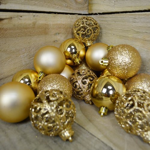 Shatter Proof Christmas Bauble - Box of 16 - 4 Different Designs 6cm Light Gold