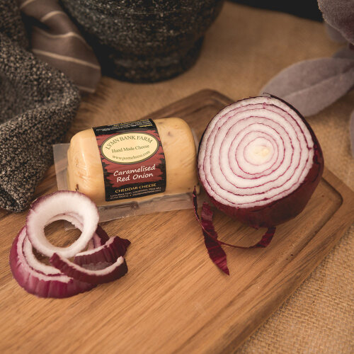 Caramelised Red Onion Cheddar Barrel (145g)