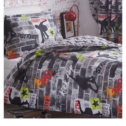 Tricks, Skateboard and Graffiti Single Bedding