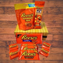 Reese's peanut butter chocolate gift box. Ideal celebration gift.