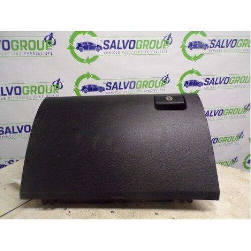 TOYOTA AVENSIS T2 D-4D ESTATE 5 Door 2009-2018 GLOVE BOX - Used