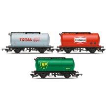 HORNBY Railroad R6891 Triple Fuel Tanker Wagon Pack - Era 2/3