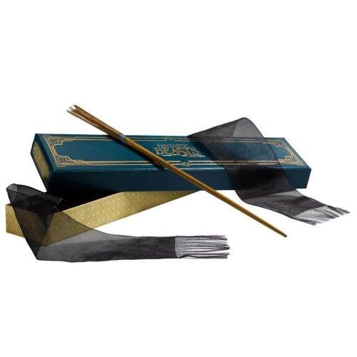 Fantastic Beasts Newt Scamander's Wand in Ollivanders Box