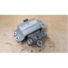 VW Passat PASSENGER SIDE ENGINE MOUNT LEFT SIDE  3C0199555 - Used