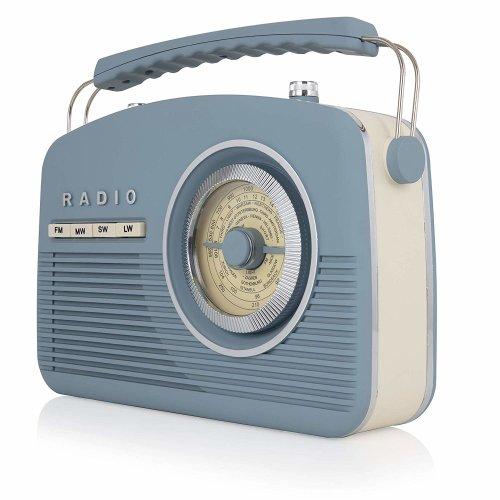 Akai Vintage Radio, 4 Band Radio, Portable Size, Mains or Battery, 1950s Design