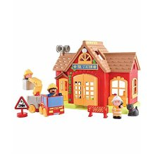 New for 2017 / 2018 toy happyland fire station and figures