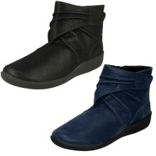 Ladies Clarks Cloud Steppers Ankle Boots Sillian Tana - D Fit