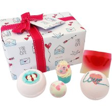 Bomb Cosmetics Jar of Hearts Handmade Gift Pack
