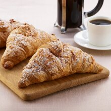 Schulstad Bakery Solutions Frozen Almond Filled Croissants - 48x90g