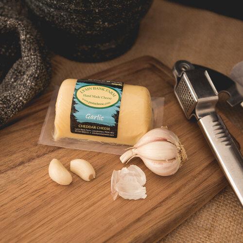 Garlic Cheddar Barrel (145g)