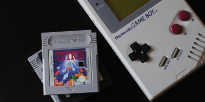 Which Retro Handheld Game Console Should You Buy?