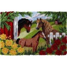 3 Horses Rug Latch Hooking Kit (102x69cm)