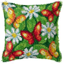 """Latch Hook Cushion Cover Kit""""Red Butterflies and Daisies""""43x43cm"""