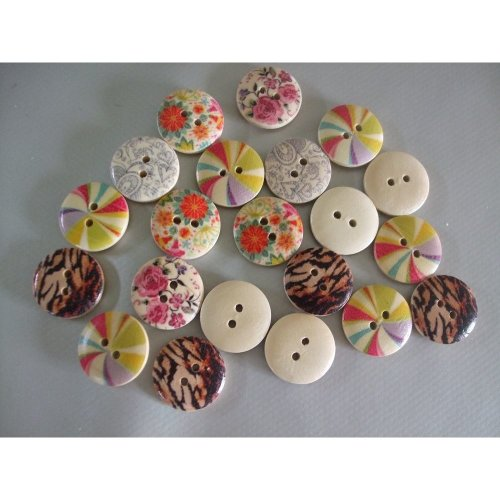 Pack of 20 Round Wooden Buttons - 18mm - Craft Mix