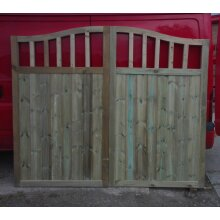 Wooden Driveway Gates, Swan Neck, Slatted, Pressure Treated- 6FT H - UP TO 8 WEEK WAIT