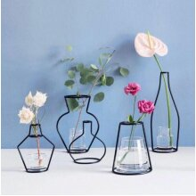 Creative Art Style Retro Iron Line Flowers Vase - Solid Nordic Styles