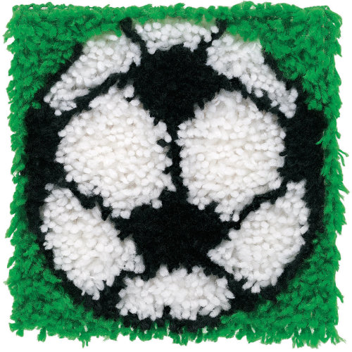 "Caron latch hook rug//pillow kit  /""HEART WREATH/"" UK seller"