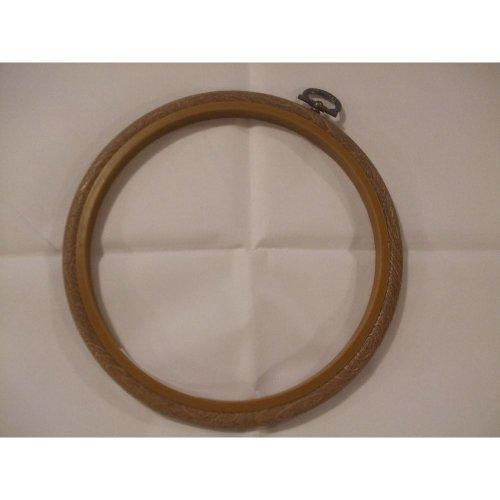 "Siesta 7"" Round Plastic Flexi Hoop - Woodgrain Effect"