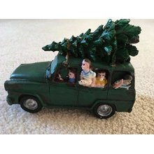 2.5cm Hand Painted Green Car ,Happy Family With Christmas Tree On Roof