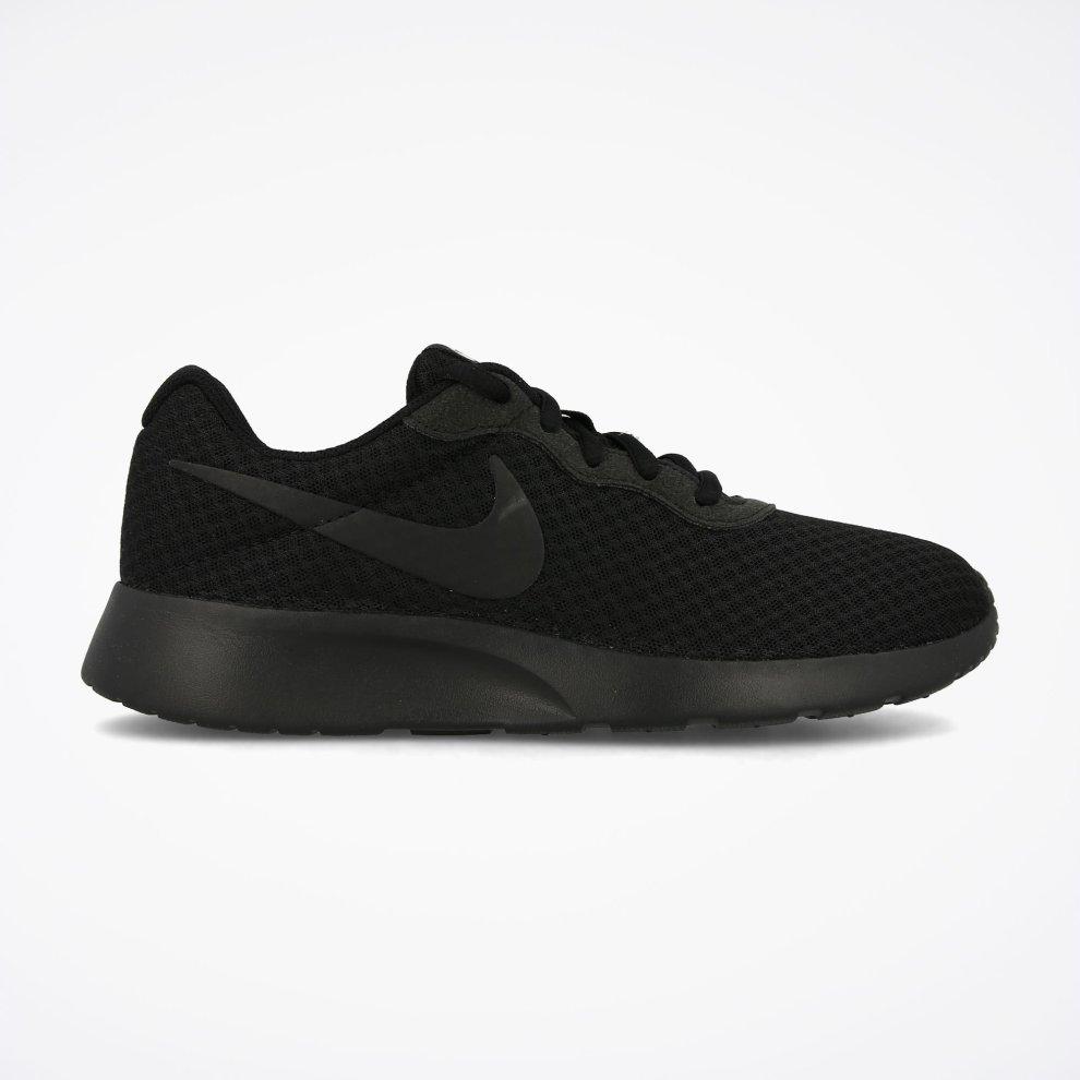 black trainers 4.5