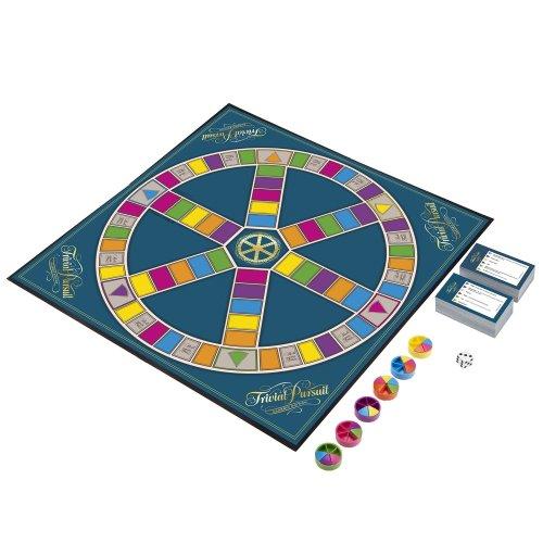 Trivial Pursuit Classic Edition   Quiz Board Game